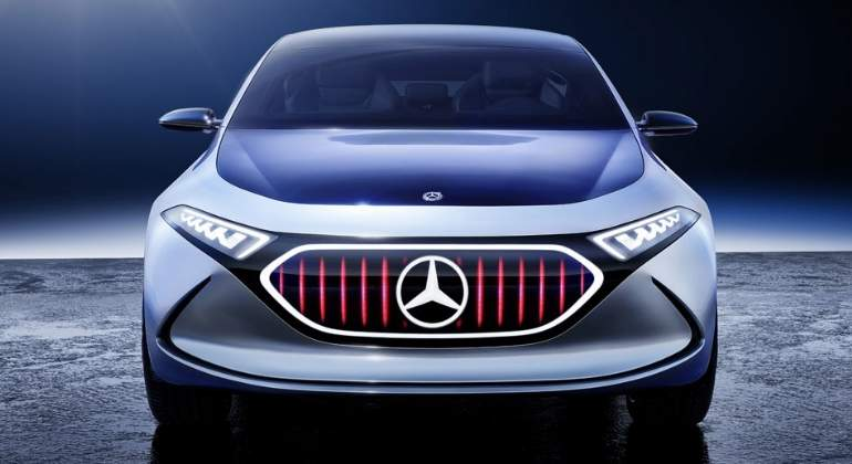 Mercedes-EQA-Concept-2017-1.jpg