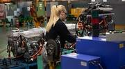 trabajadora-nissan-planta-barcelona-ep-getty-770x420.jpg