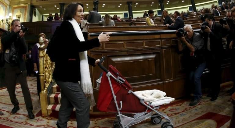 bescansa-congreso-carrito-reuters.jpg