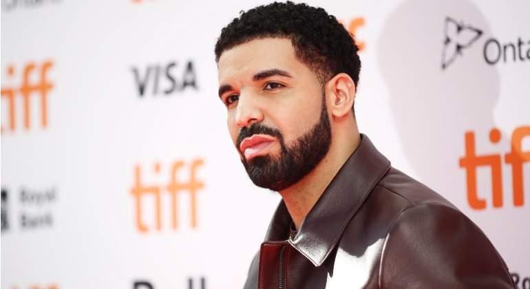 Lanza Drake nuevo video e impresiona con emotiva acción