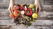 Caja-con-variedad-de-frutas-y-verduras-iStock.jpg