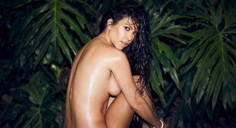 Kourtney Kardashian Emula A Su Hermana Kim Y Sube Un Desnudo