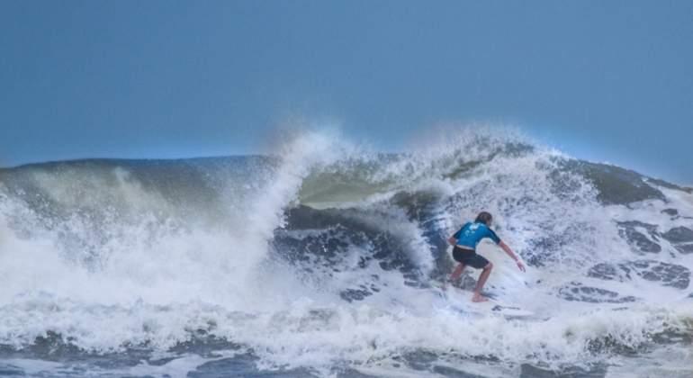 SURF-OPEN-AVILES.jpg