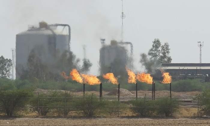 iran-quema-petroleo.jpg