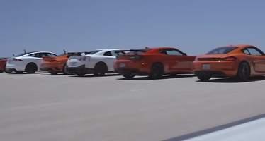 La mejor carrera de aceleración del mundo: así destrozó el Tesla Model S a otras 11 bestias del asfalto