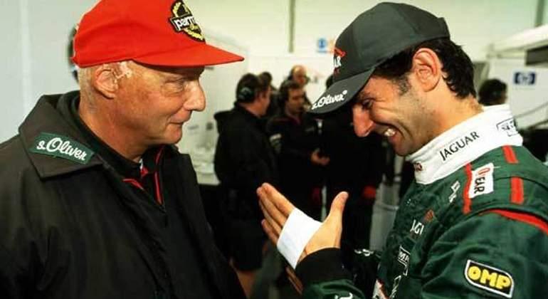 6609a58d572cb Niki Lauda junto a Pedro Martínez de la Rosa
