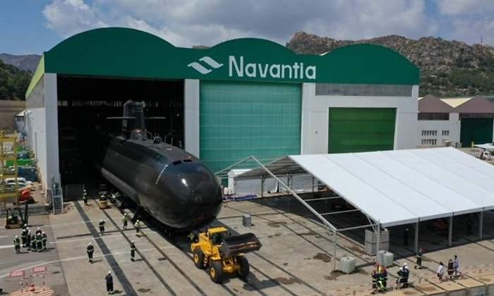 Navantia presenta este jueves en Cartagena el 'Isaac Peral' 700x420_submarino-navantia-taller
