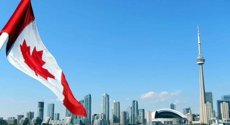 Canada-bandera-istock.jpg