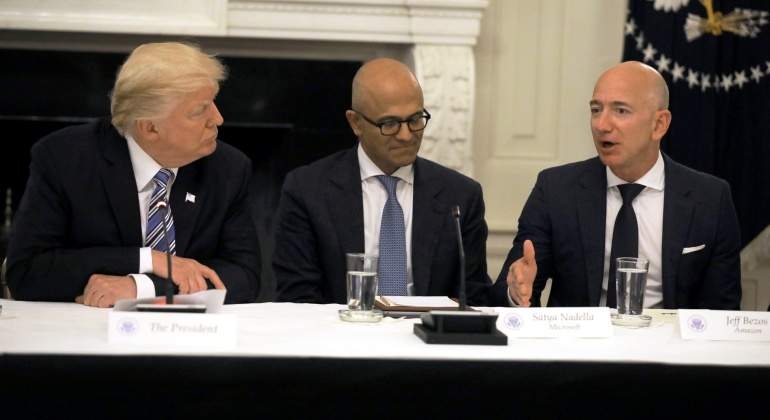 trump-nadella-bezos-microsoft-amazon-junio-2017-reuters.jpg