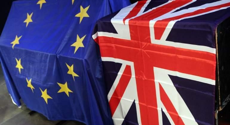 Legisladores británicos respaldan proyecto crucial del Brexit