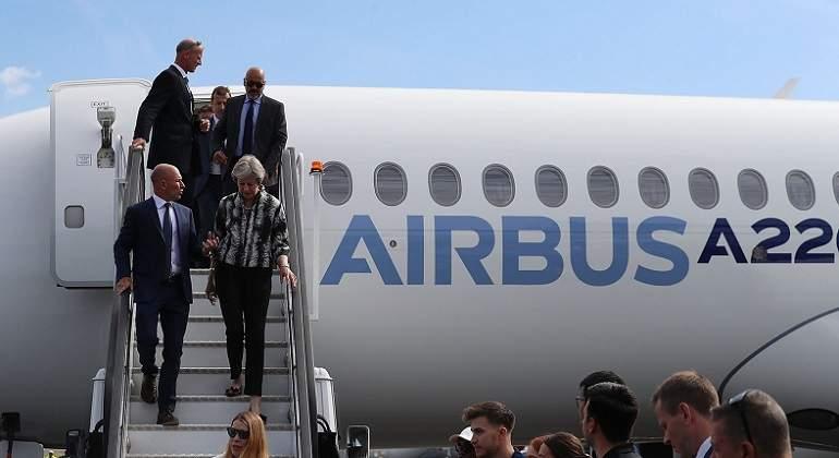 Airbus-a220.jpg