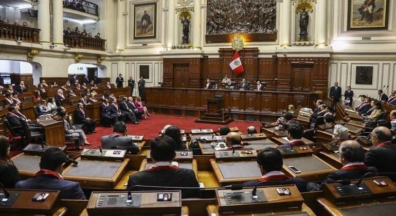 Aprueban modificaciones a moción de censura y cuestión de confianza