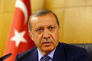 Turquía cierra más de 130 medios