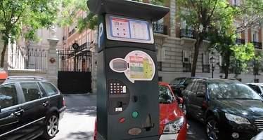 Las aplicaciones móviles para pagar el parquímetro de Madrid podrán cobrar una comisión