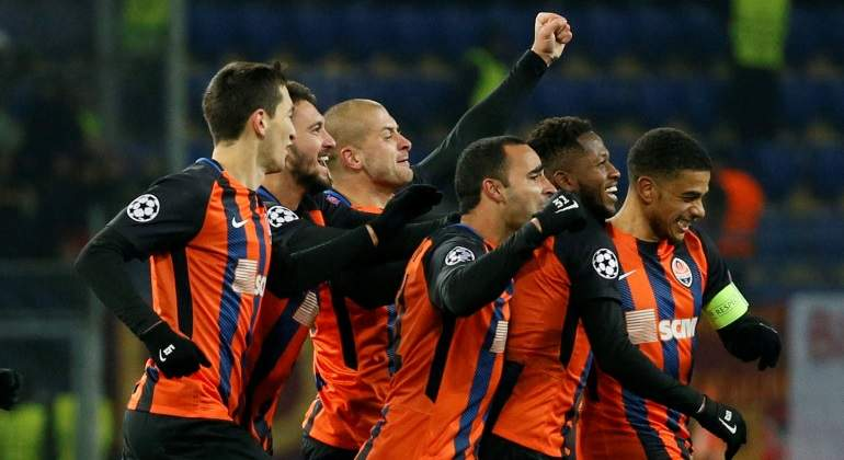 shakhtar-celebra-gol-roma-reuters.jpg