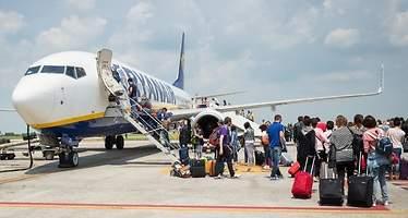 Varias aerolíneas aconsejan a sus pasajeros acudir con tres horas de antelación a El Prat