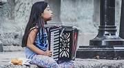 pobreza-nina-mexico-dreamstime.jpg