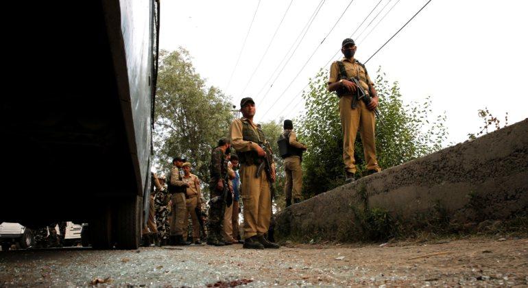Un ataque terrorista en India deja al menos ocho policías muertos y 20 heridos