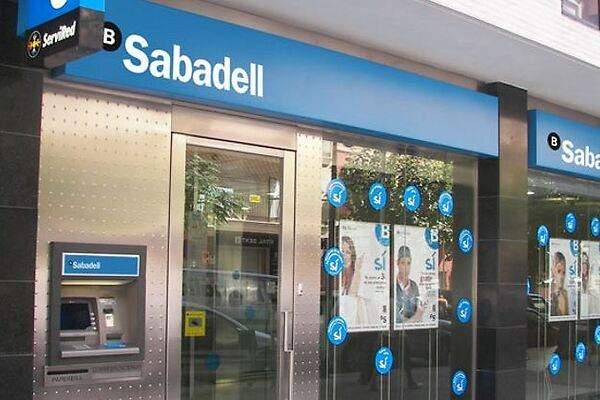 Sabadell ya lleva gastados 382 millones en la integraci n for Buscador oficinas sabadell
