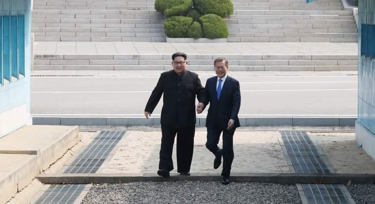 kim-moon-corea-norte-sur-cruzan-frontera-reuters-770x420.jpg