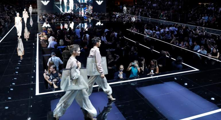 Emporio-Armani-Desfile-Semana-Moda-Milan-Reuters-770.jpg