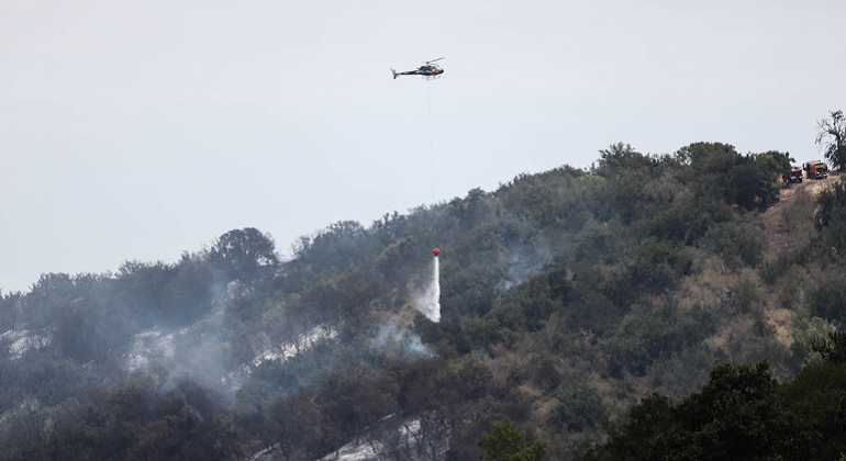 incendio-forestal.helicoptero.chile-efe.png