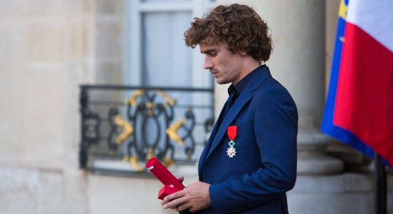 griezmann-legion-honor-cordon-press.jpg
