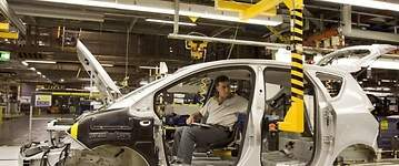 UGT pide convocar la mesa del automóvil ante el anuncio de la fabricación del Opel Corsa eléctrico