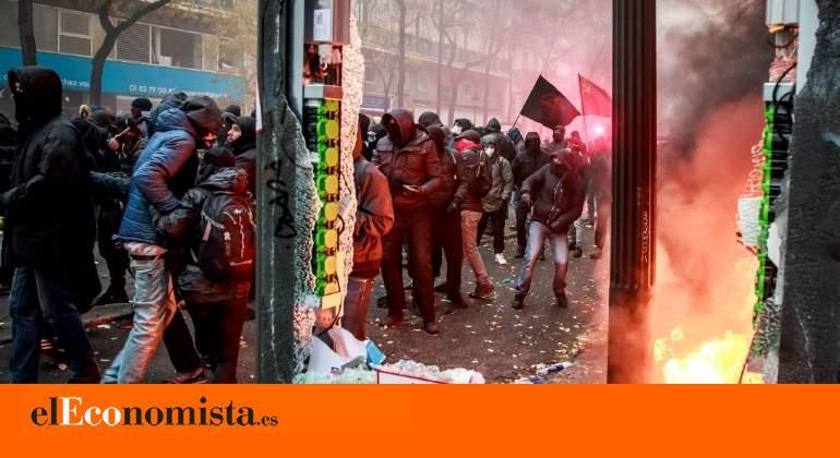 La huelga en Francia provoca por segundo día nuevos bloqueos en el transporte