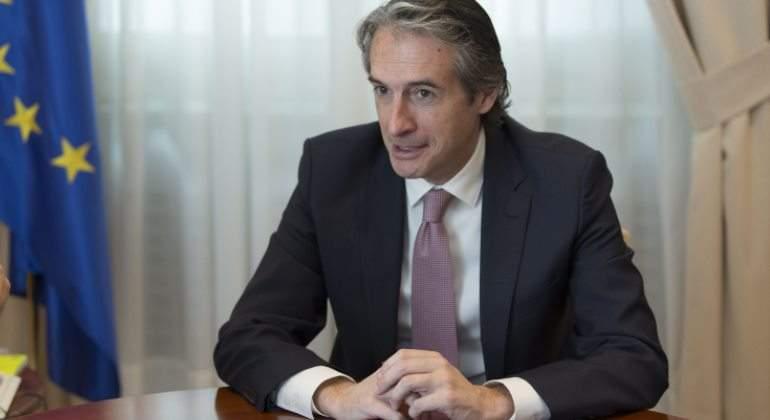 Fomento lanza un 39 macroplan 39 de millones para for Serna v portales