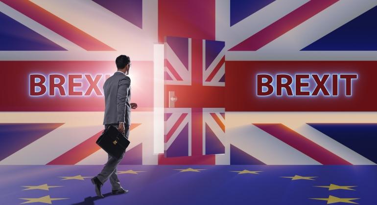 brexit-banderas-puertas.jpg