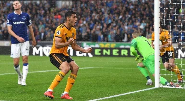 Raul-Jimenez--se-estrena-en-la-Premier-League-Wolves-Espanol.jpg