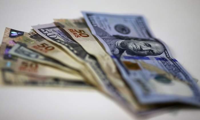 Reales Dolares Brasil Reuters Jpg