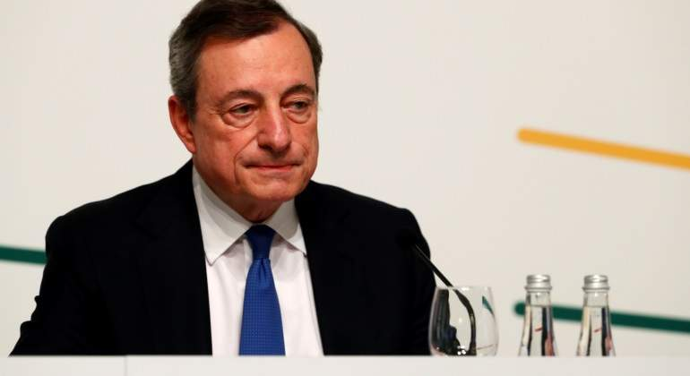 mario-draghi-botellas.jpg