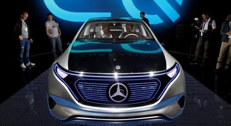 Mercedes prepara el ataque a Tesla: invertirá 1.000 millones para asaltar 'su' mercado eléctrico