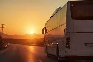 El bus pierde contra AVE y avión