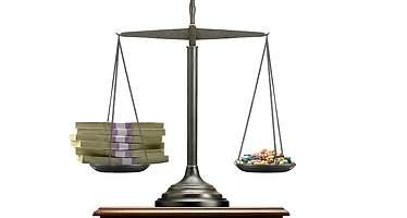 El Gobierno bajará de nuevo el precio de 15.000 medicamentos