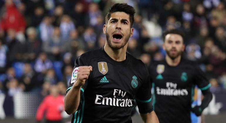 La magia de Asensio salva a un flojo Madrid