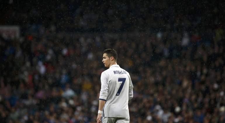Cristiano-Ronaldo-publico-bernabeu-2017-reuters.jpg