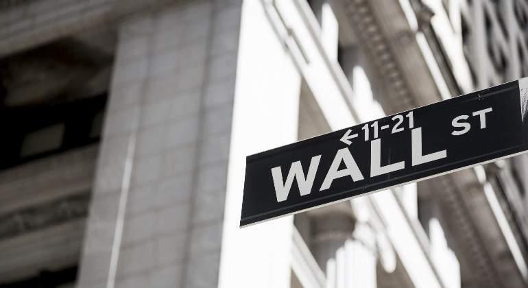 Wall Street vuelve con subidas del 1%, pero aún no alcanza sus máximos