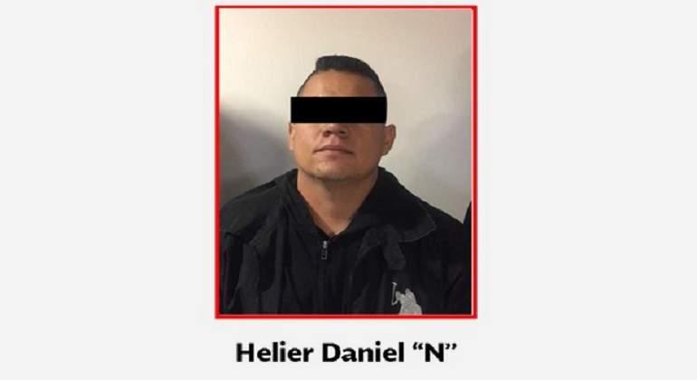 http://s03.s3c.es/imag/_v0/770x420/c/5/2/policia-chihuahua-detenido-770-420.jpg