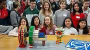 Estudiantes de Secundaria construyen una maqueta del detector CMS del CERN con piezas Lego en la UC