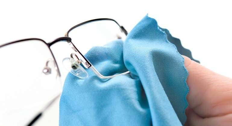 0168cf16c2 Cómo quitar las rayaduras de los cristales de tus gafas - EcoDiario.es