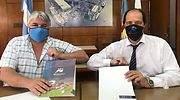 Ariel-Basteiro-y-Daniel-Moreira-durante-la-firma-del-convenio.jpg
