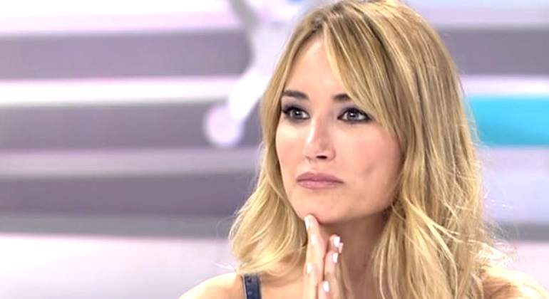 "El desnudo integral de Alba Carrillo: ""Prometí foto en ..."