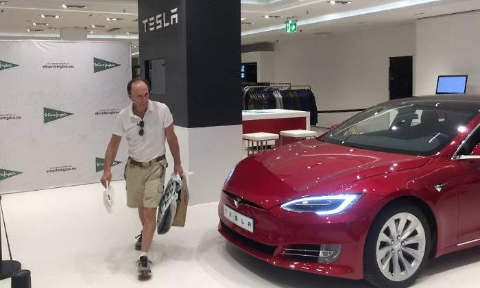 66d424f4e8b4 El Corte Inglés venderá coches de Tesla en sus centros con tiendas ...
