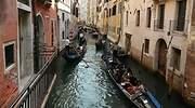 gondolas-venecia-dreamstime.jpg