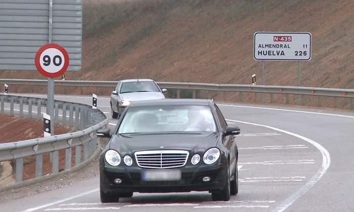 ¿Bajar a 70 km/h la velocidad en carreteras convencionales? La DGT ya lo sondea tras limitar las ciudades