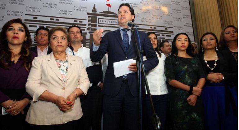 Lima: Miles de personas marchan contra acciones del fujimorismo