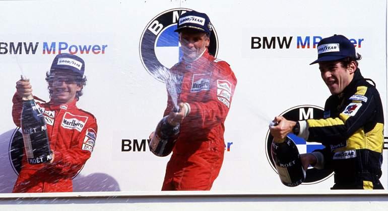 fff1dc036d2c4 Historia pura de la F1 en el podio del último triunfo de Niki Lauda  el  austríaco